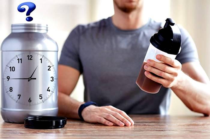 Los mejores momentos del día para que tomes tus batidos de proteínas para aumentar tu masa muscular