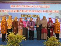 Pelatihan Kelompok Ekonomi Perempuan Berbasis Potensi Lokal