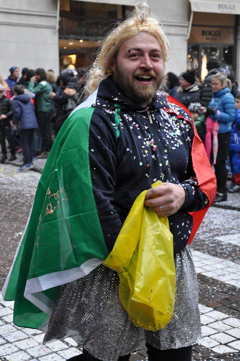 Confetti thrower, Treviso Carnival 2016, Treviso, Veneto, Italy