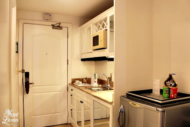 Kitchenette at the Deluxe Suite of Vivere Hotel