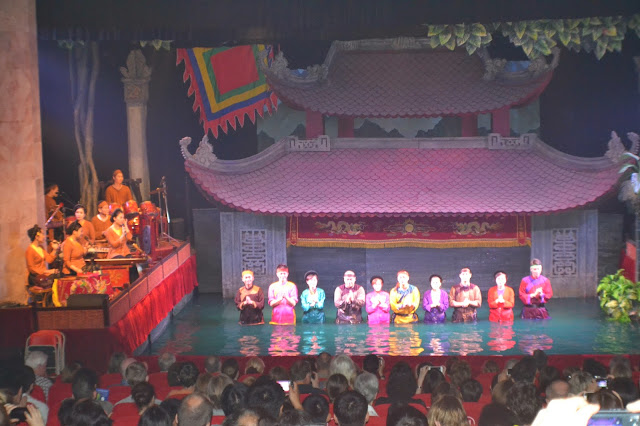Thang Long Water Puppet Theater, Hanoi, marionettes sur l'eau