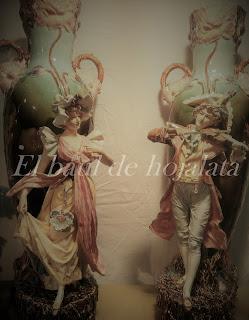 Antiguas figuras de porcelana en Desembalaje Irun