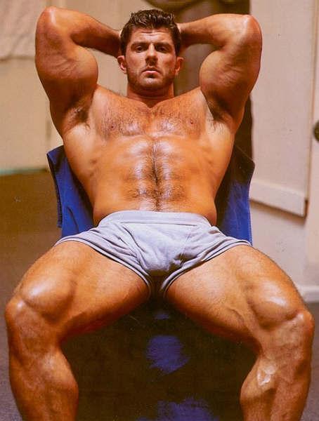 nude muscular men
