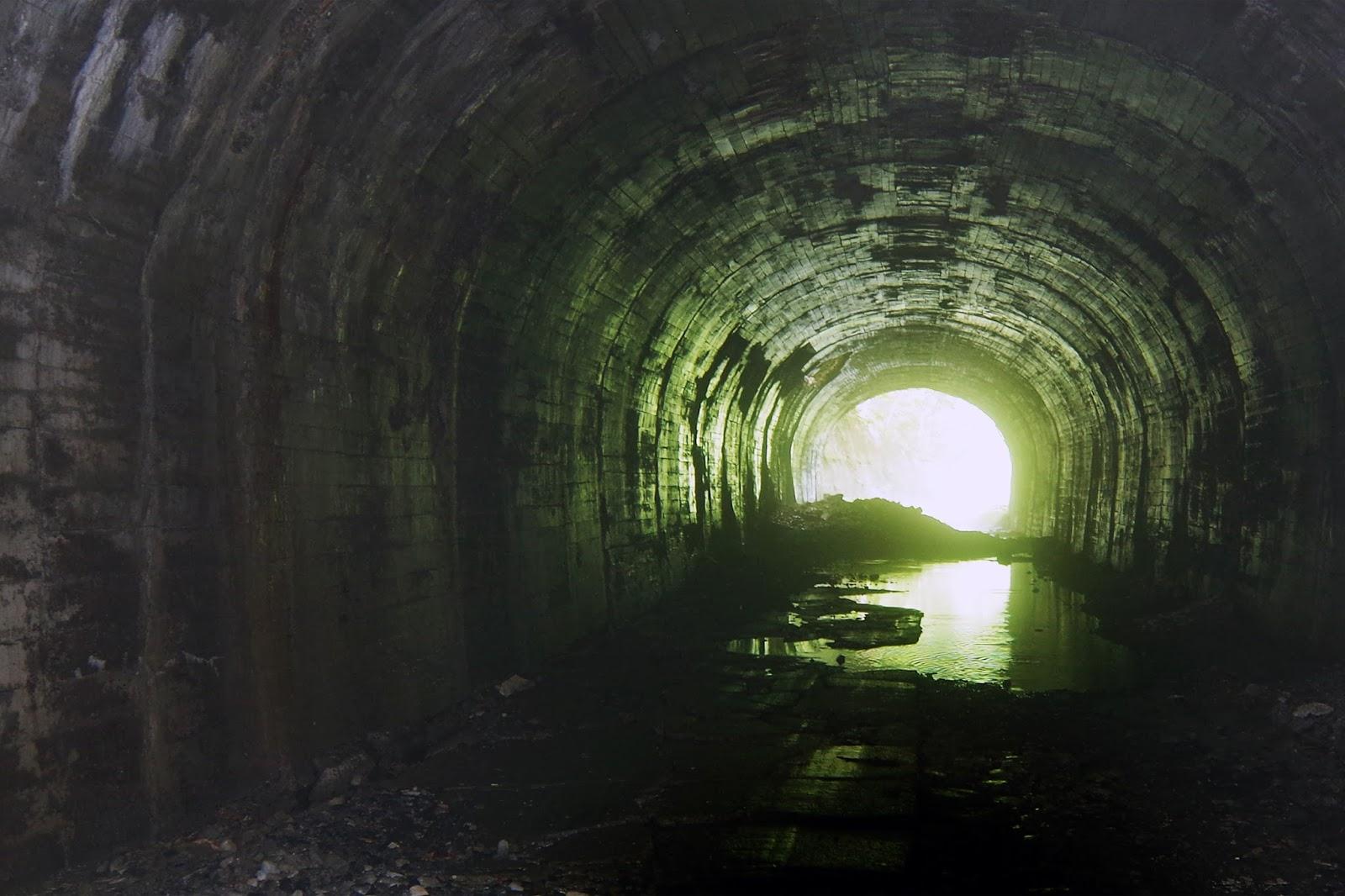 ヘリテージングのすすめ: 萬世大路 二ツ小屋隧道 ~ 福島県福島市