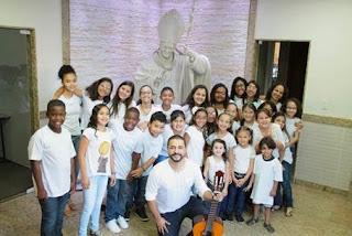 West Shopping promove apresentação gratuita do coral da Paróquia Sant'Ana
