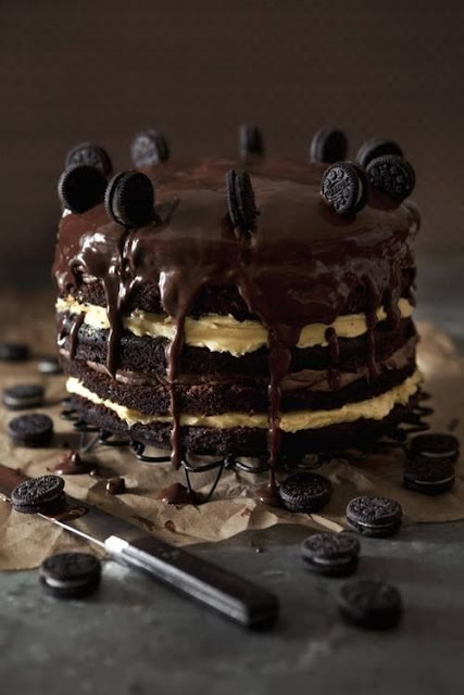 naked cake z czekoladą, tort z oreo, naked cake z oreo, tort ślubny z oreo