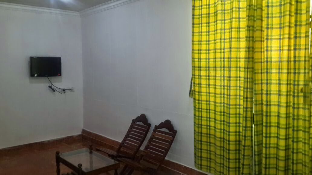 neat and clean accommodaiton in munnar for family, good cottage in munnar for college groups