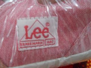 LEEのロゴ