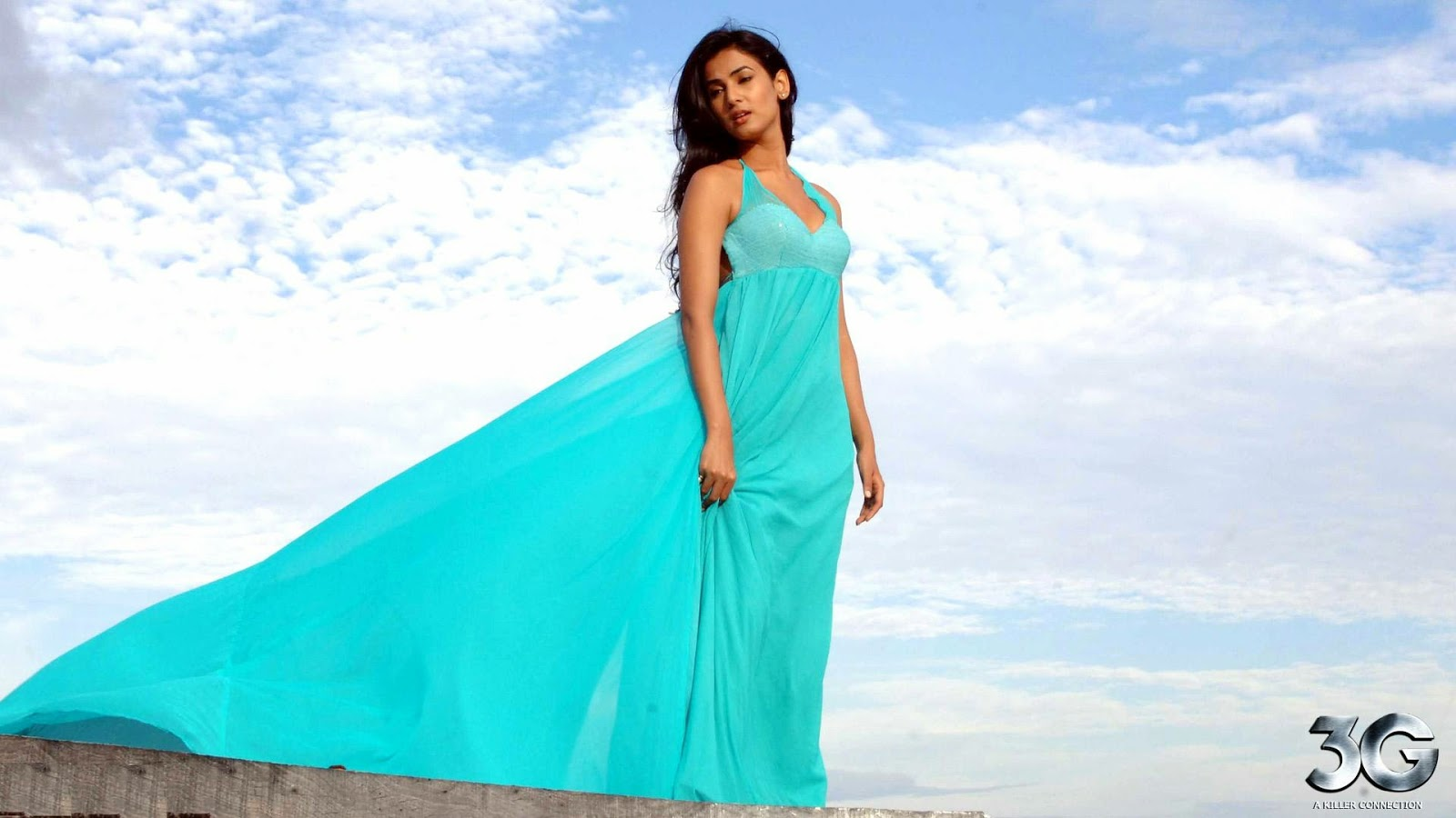 Wellcome To Bollywood HD Wallpapers: Sonal Chauhan ...