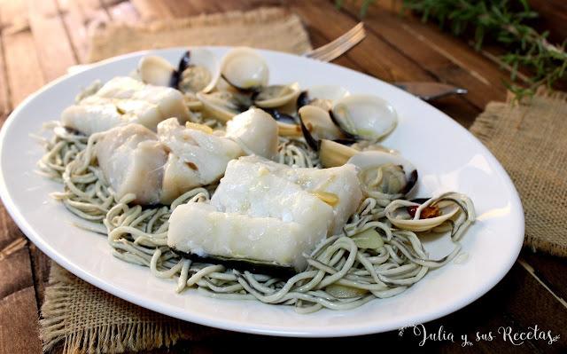 Bacalao con gulas y almejas. Julia y sus recetas