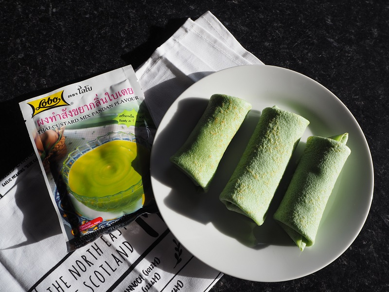 Pandan custard filled pancake rolls