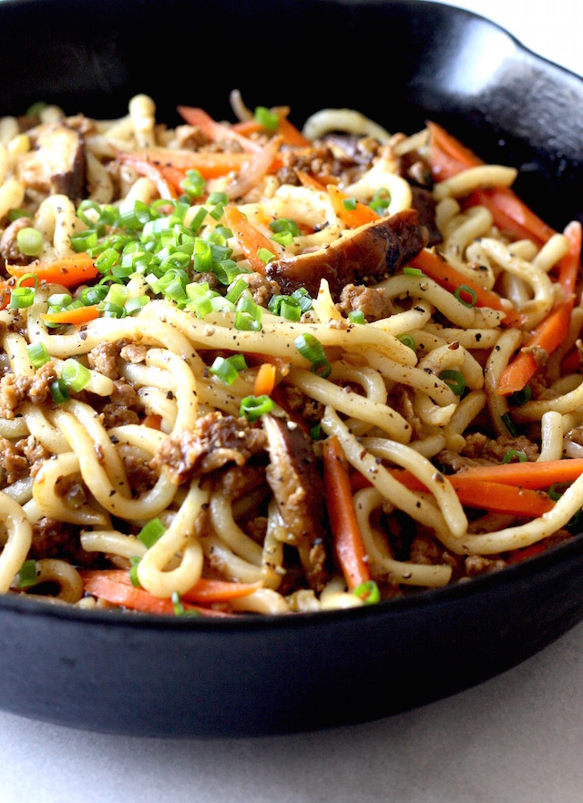 Yaki Udon (Japanese Stir-Fried Udon Noodles) recipe by SeasonWithSpice.com