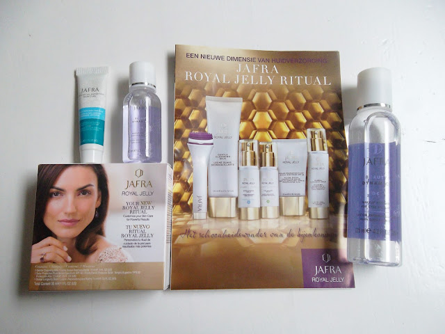 http://www.verodoesthis.be/2016/05/julie-jafra-royal-jelly-producten.html
