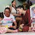 Primeira-Dama entrega kits educativos a famílias participantes do programa Cresça com seu Filho