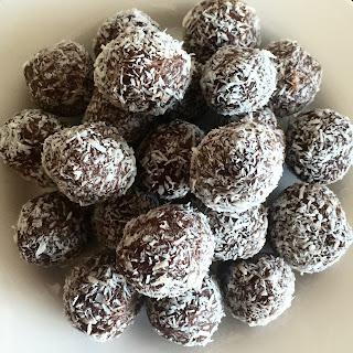 Clean Cranberry and Macadamia Bliss Balls