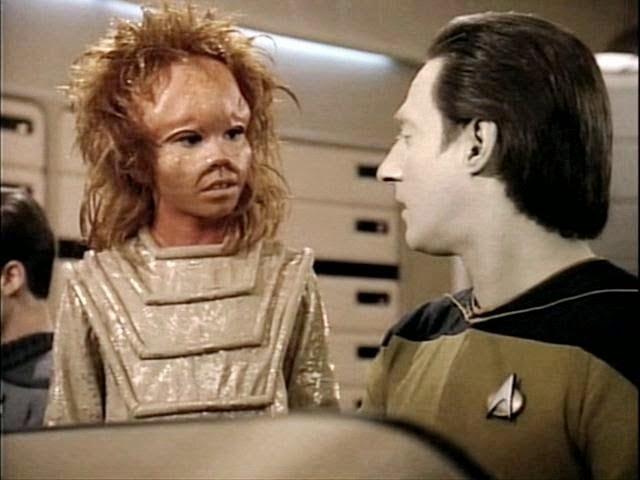 Doux Reviews: Star Trek The Next Generation: Pen Pals