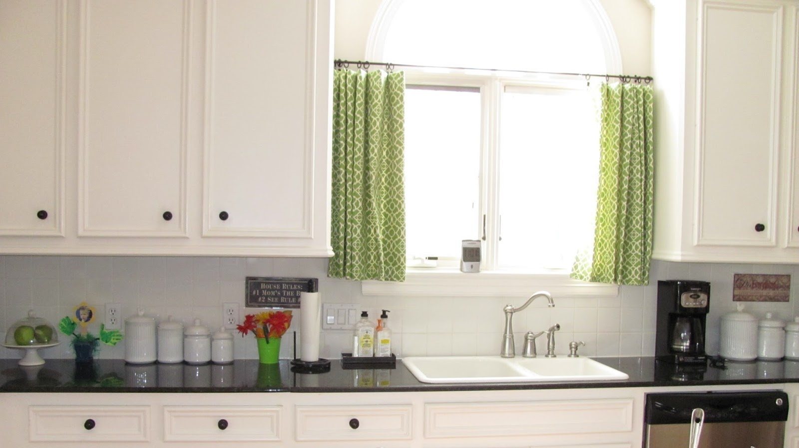 Interior Kitchen Curtains ! Home Decor