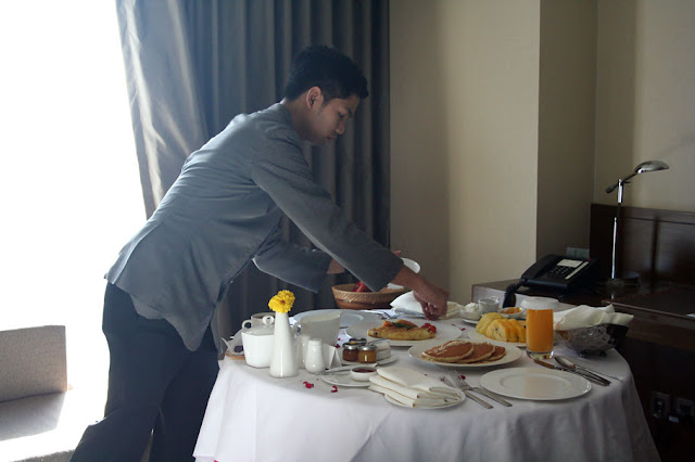 Marco Polo Ortigas Manila Room Service Breakfast