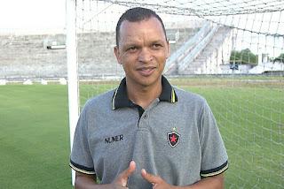 Ex-jogador do Botafogo-PB Warley recebe alta da UTI e apresenta quadro estável de recuperação