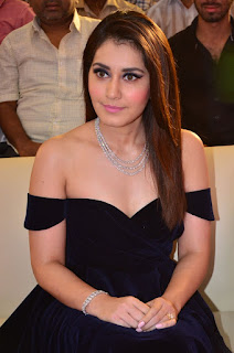 Raashi Khanna at avakusa audio launch 3.jpg
