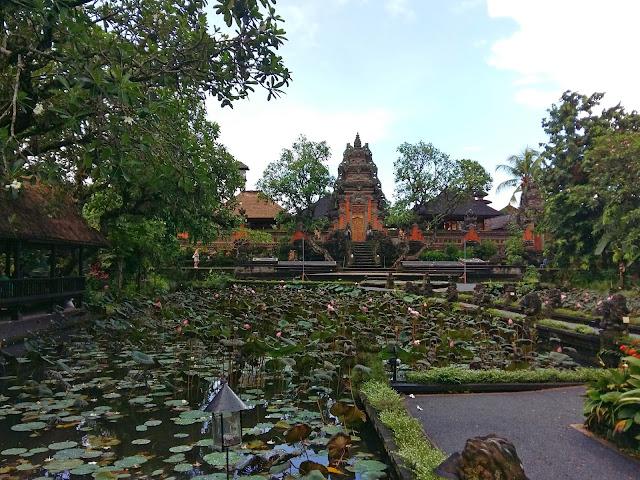 храмы Убуда. Храм Pura Taman Kemuda Saraswati