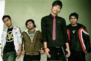 Kumpulan Full Album Lagu Salju Band mp3 Terbaru dan Terlengkap