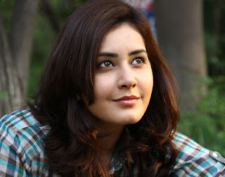 Raashi Khanna Upcoming Movies List 2018, 2019 wiki,  Raashi Khanna Release Dates wikipedia, Raashi Khanna next film
