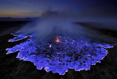 """<img src=""""blue_lava_ijen_banyuwangi_jawa_timur_1.png"""" alt=""""blue_lava_ijen_banyuwangi_jawa_timur_1"""">"""