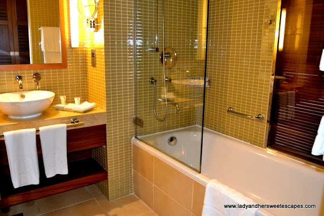 Bathroom in a Classic Room at Yas Island Rotana