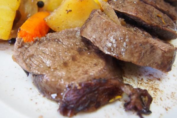 Cocina y borda con maria solomillo de corzo al romero for Corzo con patatas