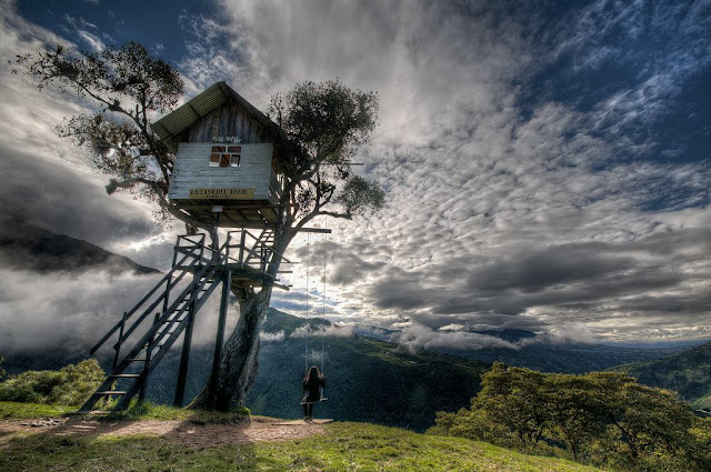 "The swing at the ""End of the World:"" Baños, Ecuador 8 Places to Visit Before You Die"