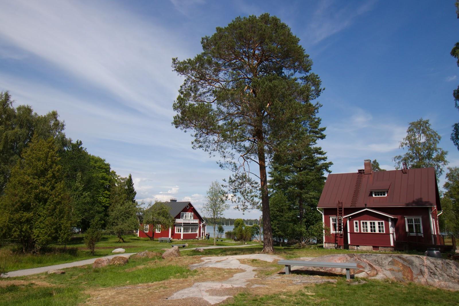 Pentalan saaristomuseon rakennuksia