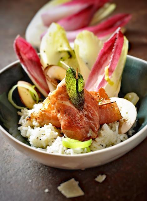 Saltimbocca vom Huhn mit Chicoree-Salat und Basmati