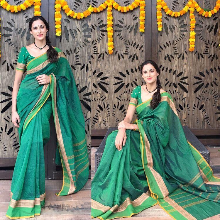 f402d33bc6f069 Shilpa Reddy Green Raw Silk Saree - Saree Blouse Patterns
