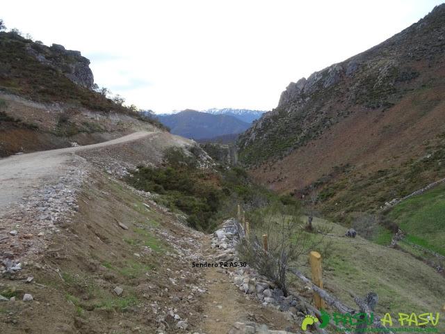 Ruta PR AS-30 en las proximidades de la Collá de la Felguera