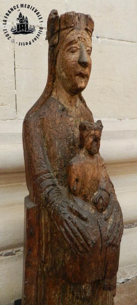 DIJON (21) - Musée d'Art Sacré : Vierge en majesté de Viévy (XIIIe siècle)