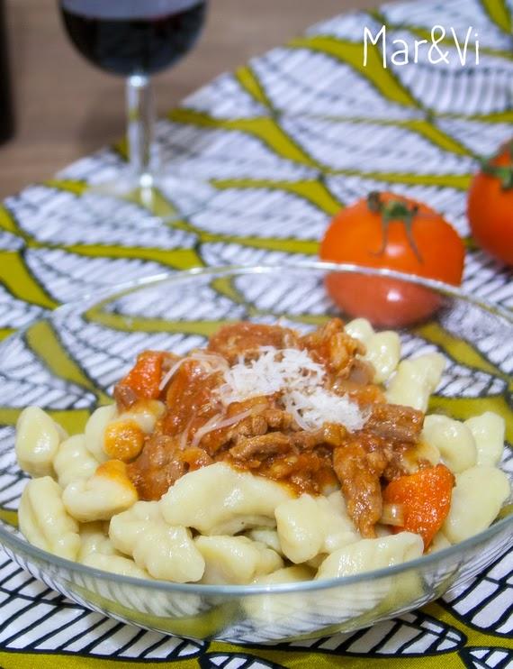 Receta ñoquis de patata con salsa de carne