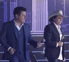 Bruno e Marrone e Chitãozinho e Xororó lançam Você Me Trocou