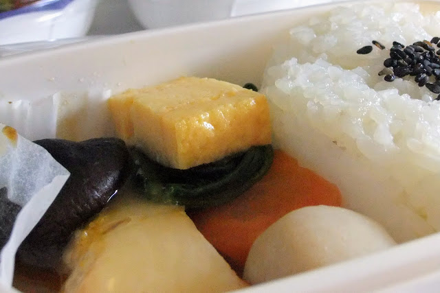 jal-flight-meal-201109 JAL機内食2