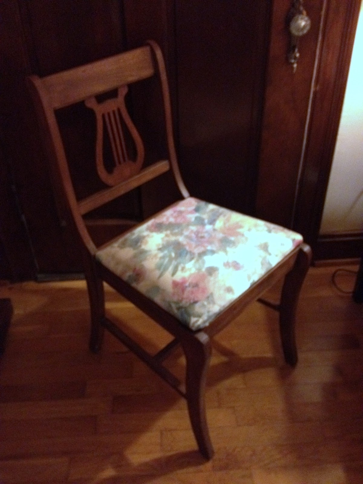 Diy Dining Chairs Plastic Straps For Outdoor Plans To Build Chair Cushion Covers Pdf