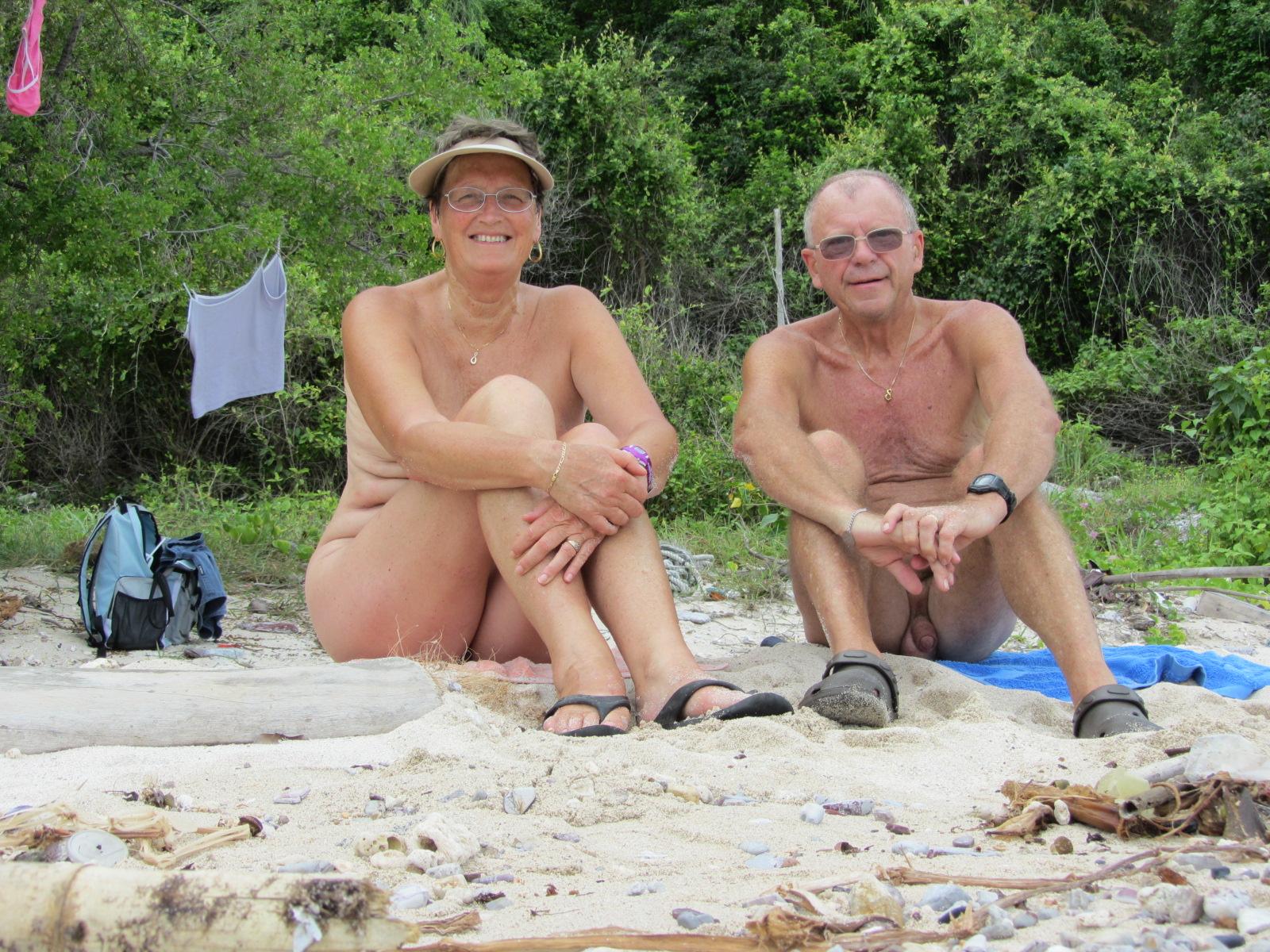 pozhilie-nudisti-porno-foto