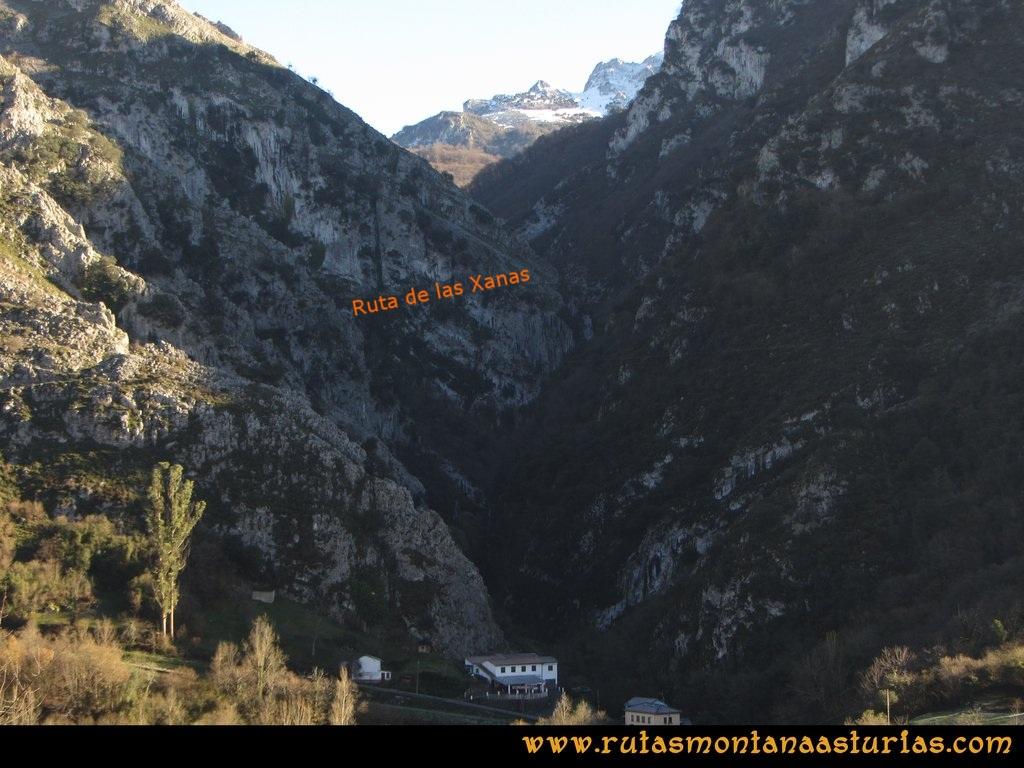 Area Buyera, picos Grandamiana y Plantón: Desfiladero de las Xanas