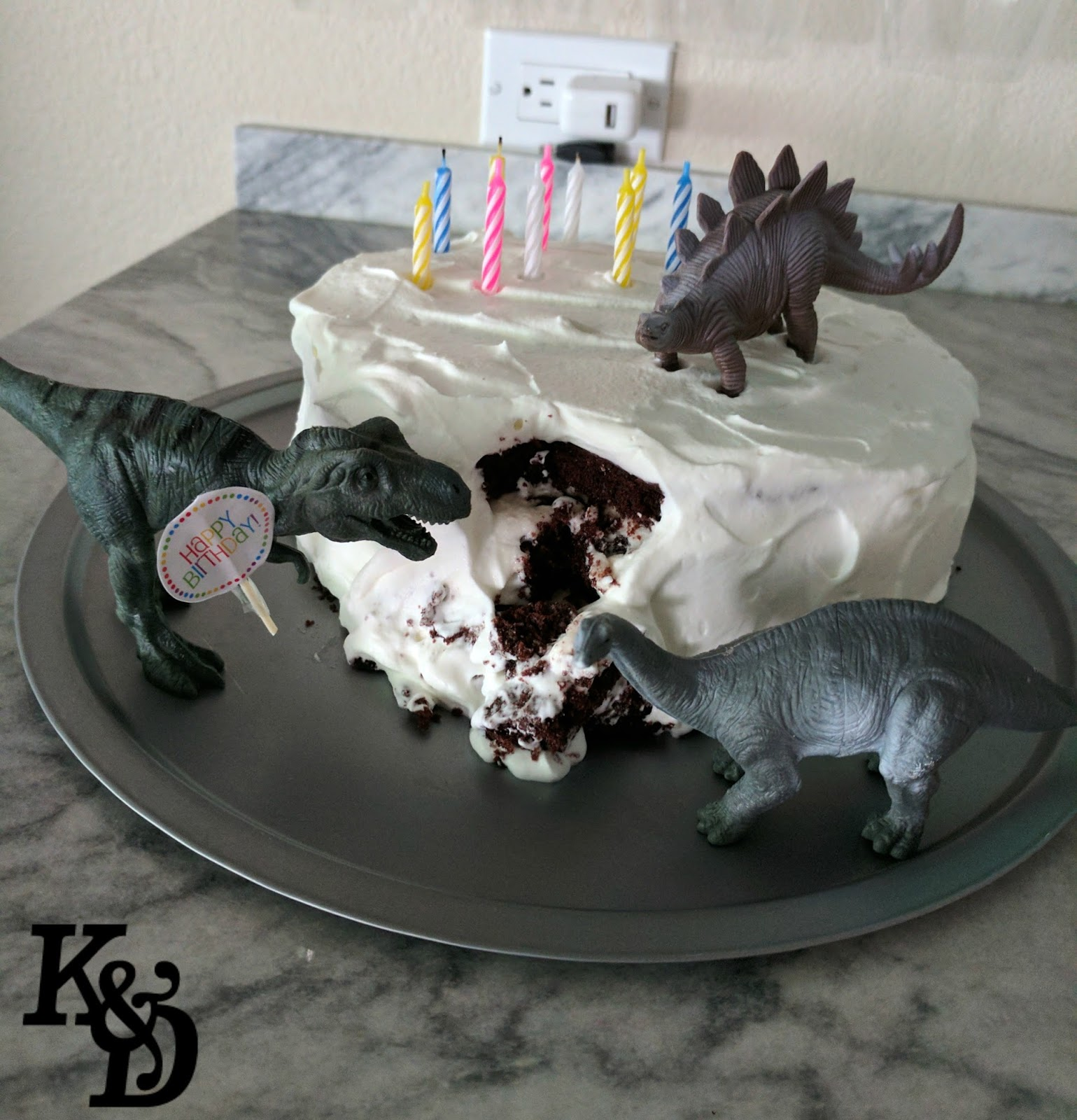 Enjoyable Klein And Dine Birthday Cake Dinosaurs Eating The Cake Funny Birthday Cards Online Inifofree Goldxyz