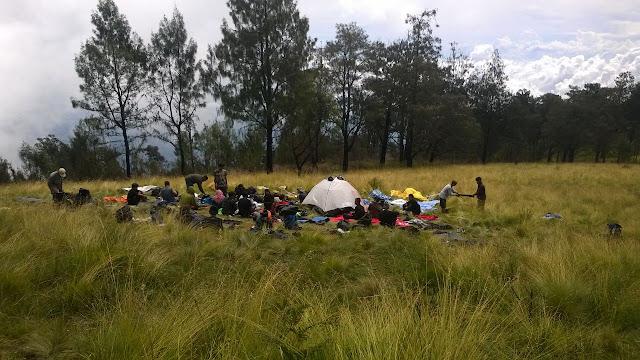 Puncak Gunung Lawu Wisata Lawu Jawa tengah Jawa Timur