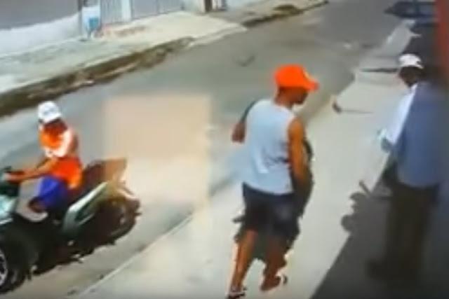 Aleijado e deficiente visual roubam funcionário da Companhia de Água e Esgoto do Ceará