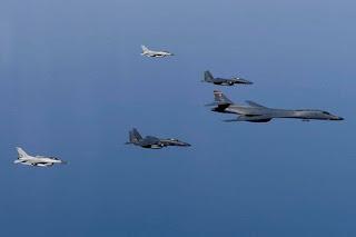 Antisipasi Perang Korut, AS Kirim Pesawat Pembom B-1
