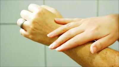 peeling corporal, clareamento de pele, receita caseira, como preparar seu peeling em casa