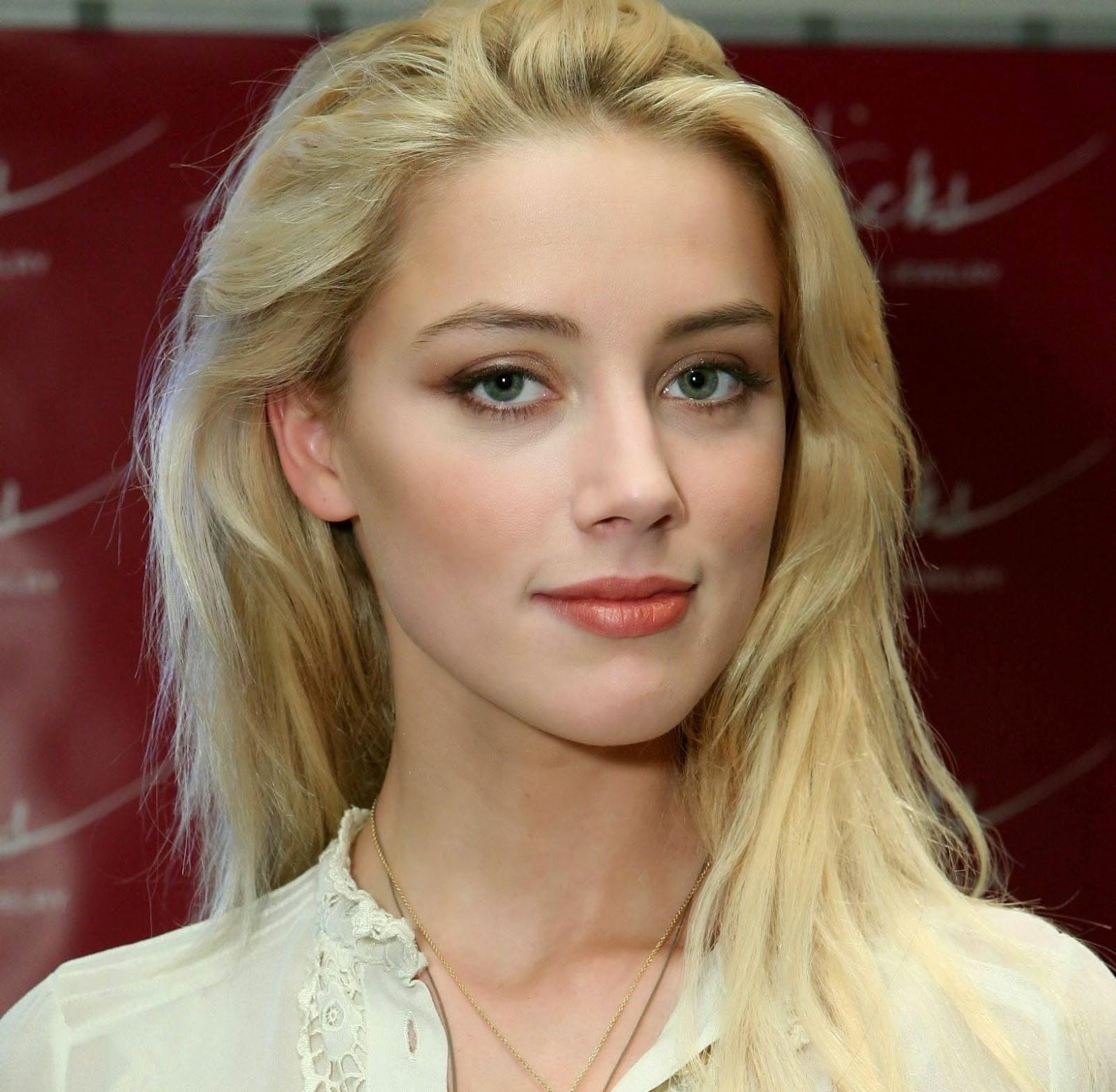 Free Download HD Wallpapers: Amber Heard HD Wallpapers