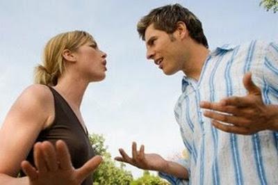 12 Pertanyaan Wanita Yang Bisa Membuat Pria Kewalahan