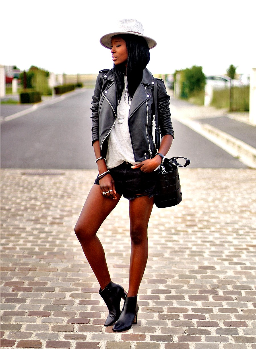 look-rock-chic-avec-short-jeans-veste-cuir